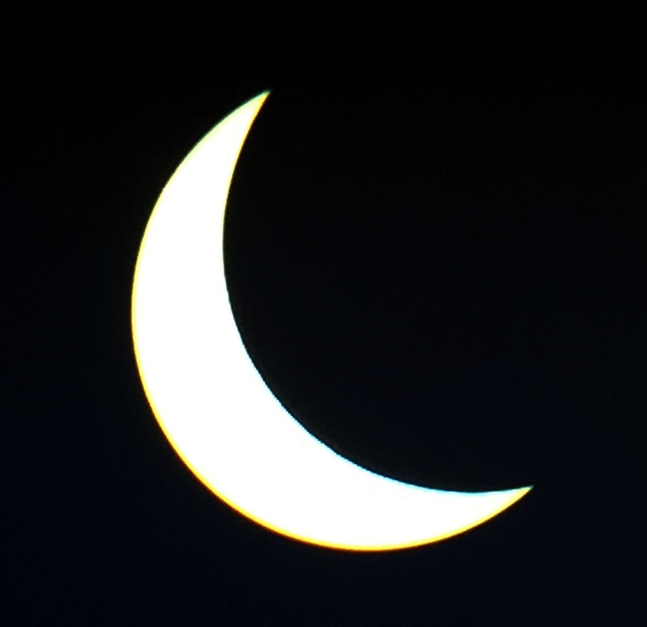 Sonnenfinsternis-2015-03-20_10-37-40-Apple-iPhone-6-3770